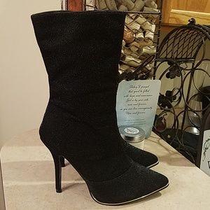Nicole Miller Logan booties size 8